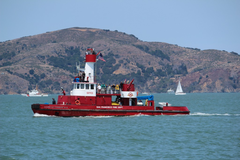 SF Fire Boat Guardian Hosted Community Service Volunteers During the Race